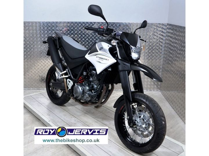 Yamaha XT660X 2011 ONE OWNER ONLY 1500 MILES FROM NEW 660cc image