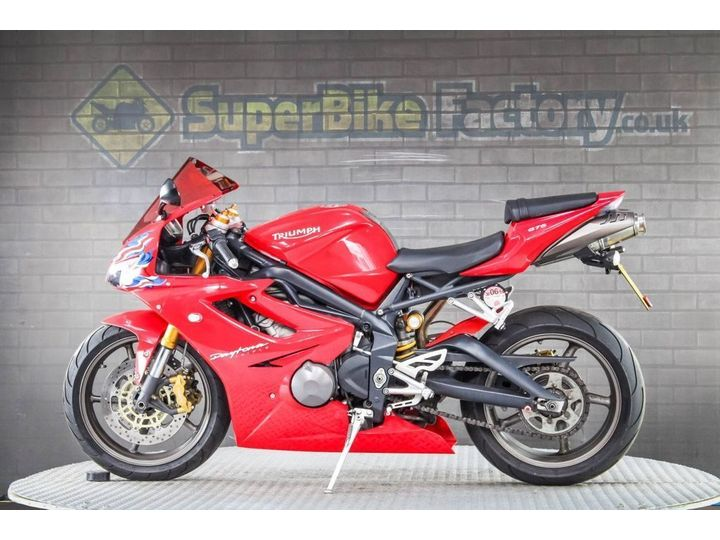 Triumph DAYTONA ALL TYPES OF CREDIT ACCEPTED 675cc image