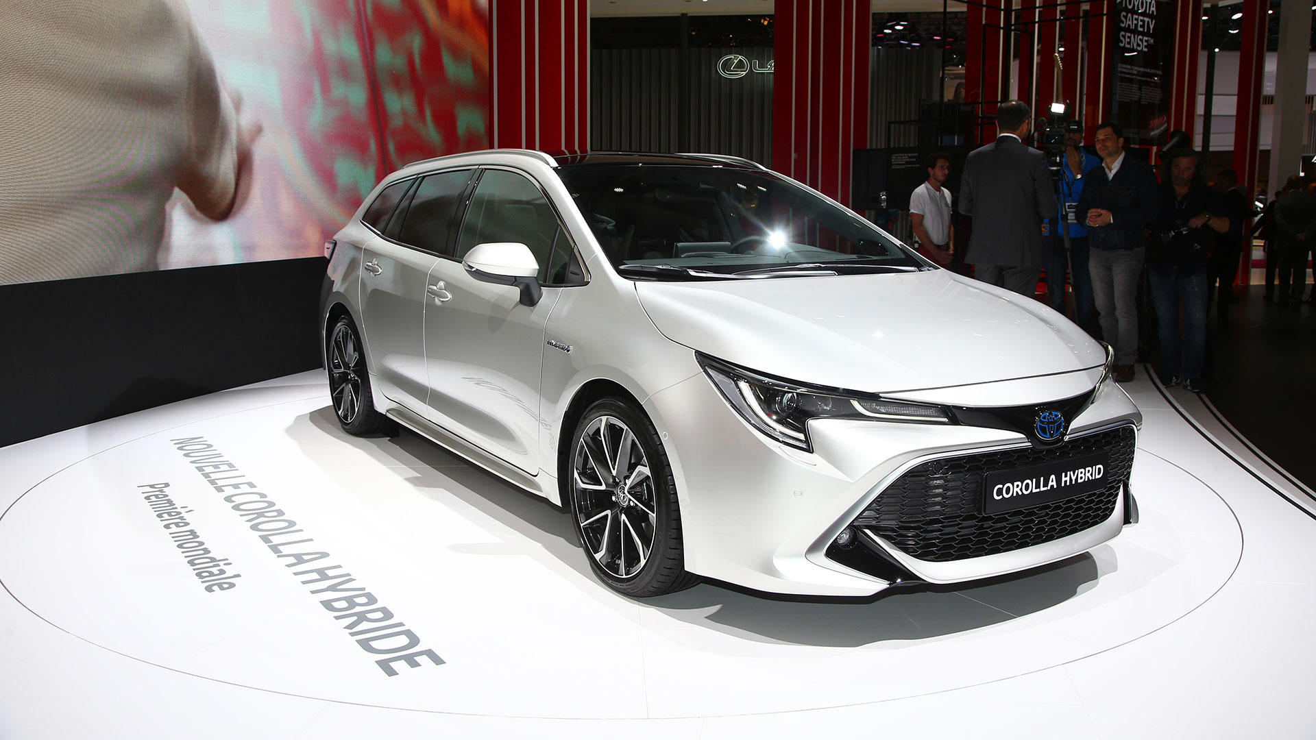 What Is The Trade In Value Of My Car >> New Toyota Corolla Touring Sports shown at Paris | Auto ...
