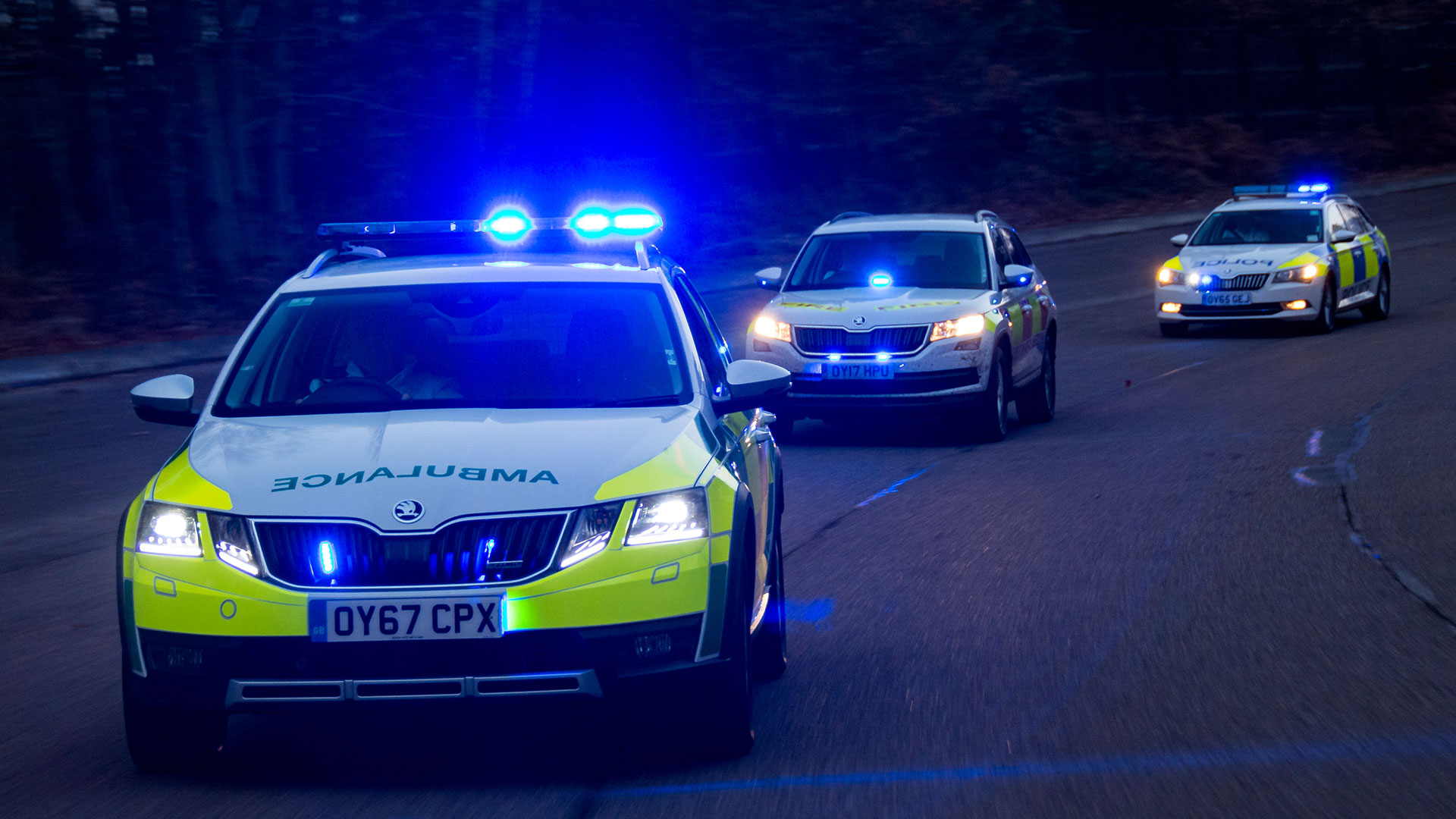 What's it like to drive a police car? | Auto Trader UK