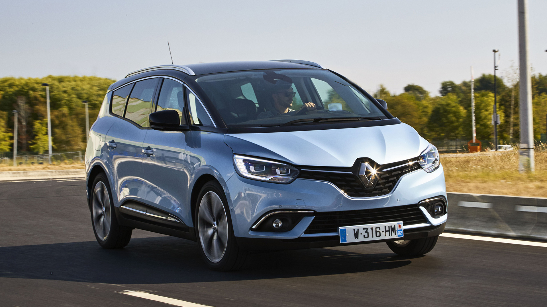 Auto Trader Vans For Sale >> 2016 Renault Grand Scenic first drive review   Auto Trader UK