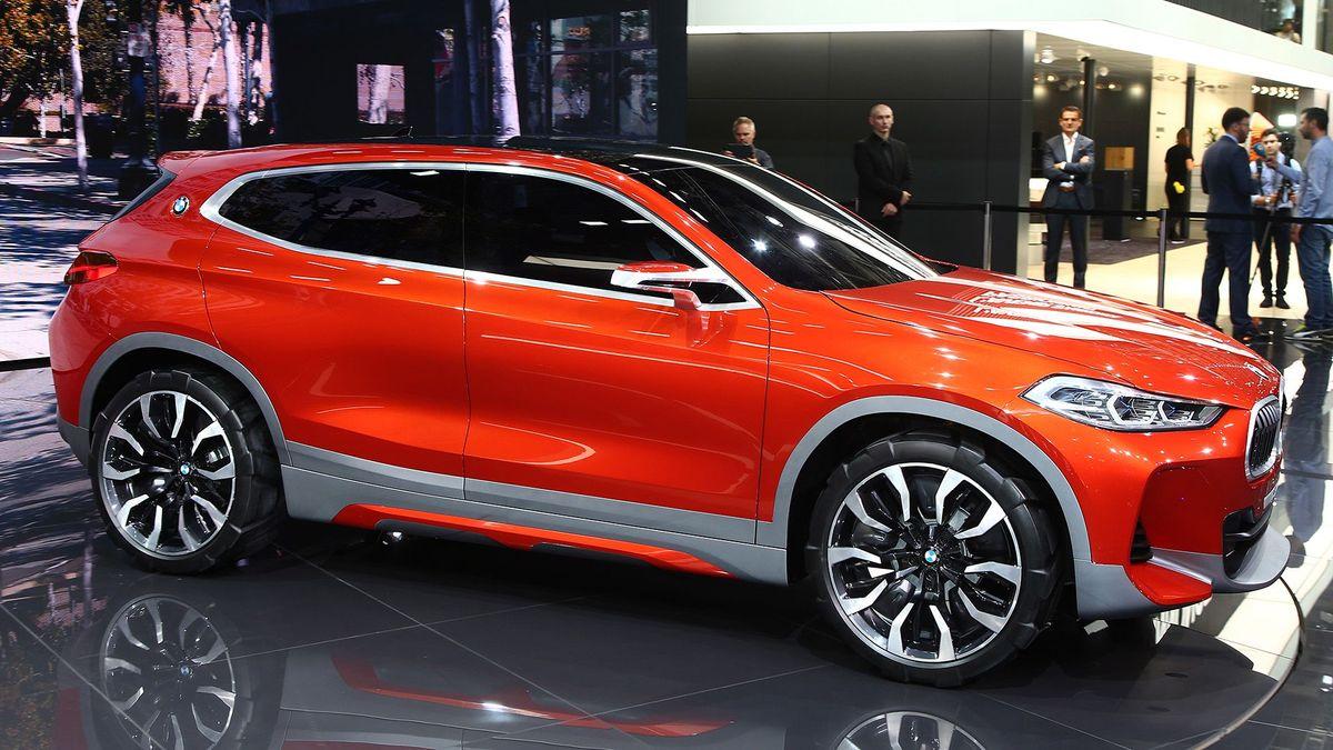 BMW X2 Concept Paris Motor Show stand 2016