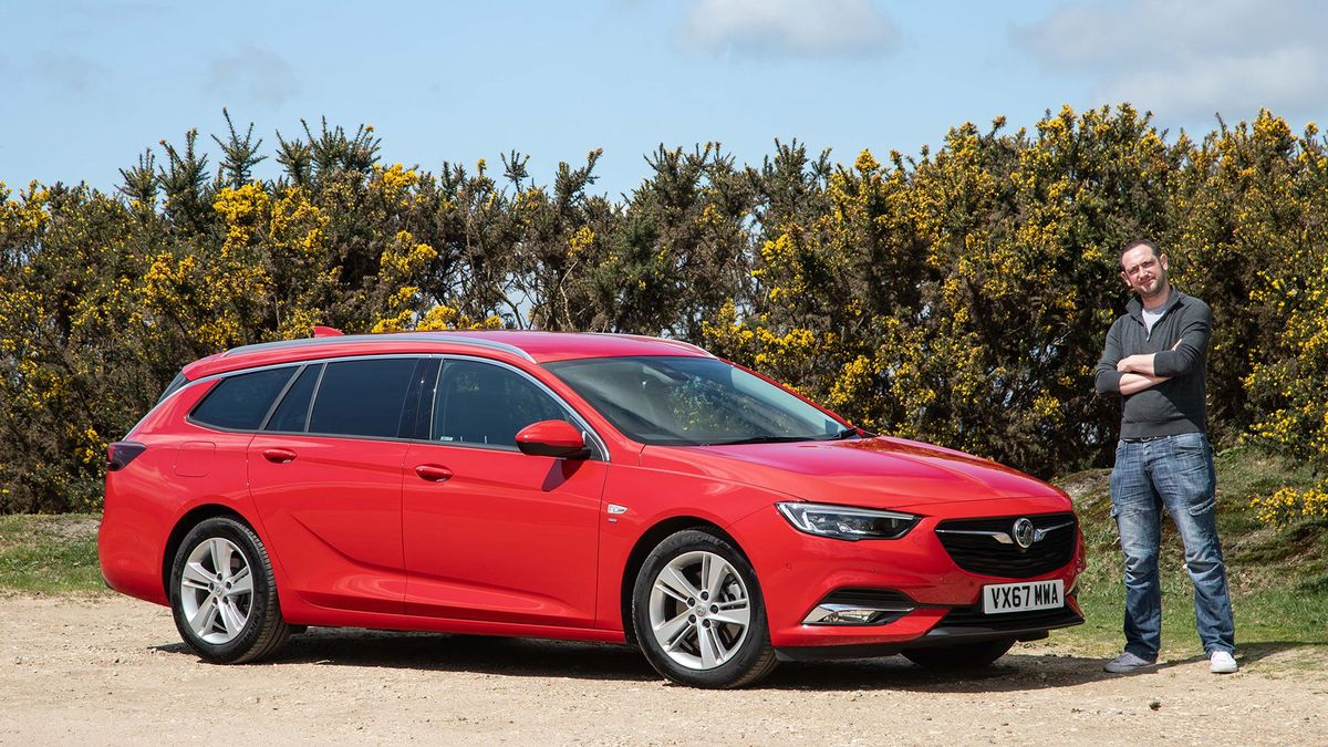 5846d3579ed Living with a... Vauxhall Insignia Sports Tourer | Auto Trader UK