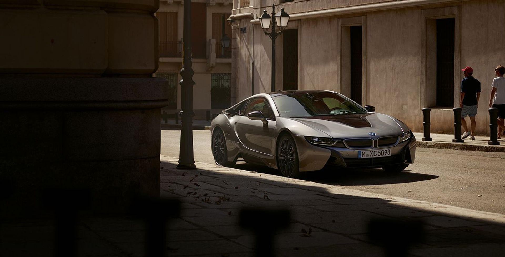 BMW i8 Protonic Dark Silver Edition image