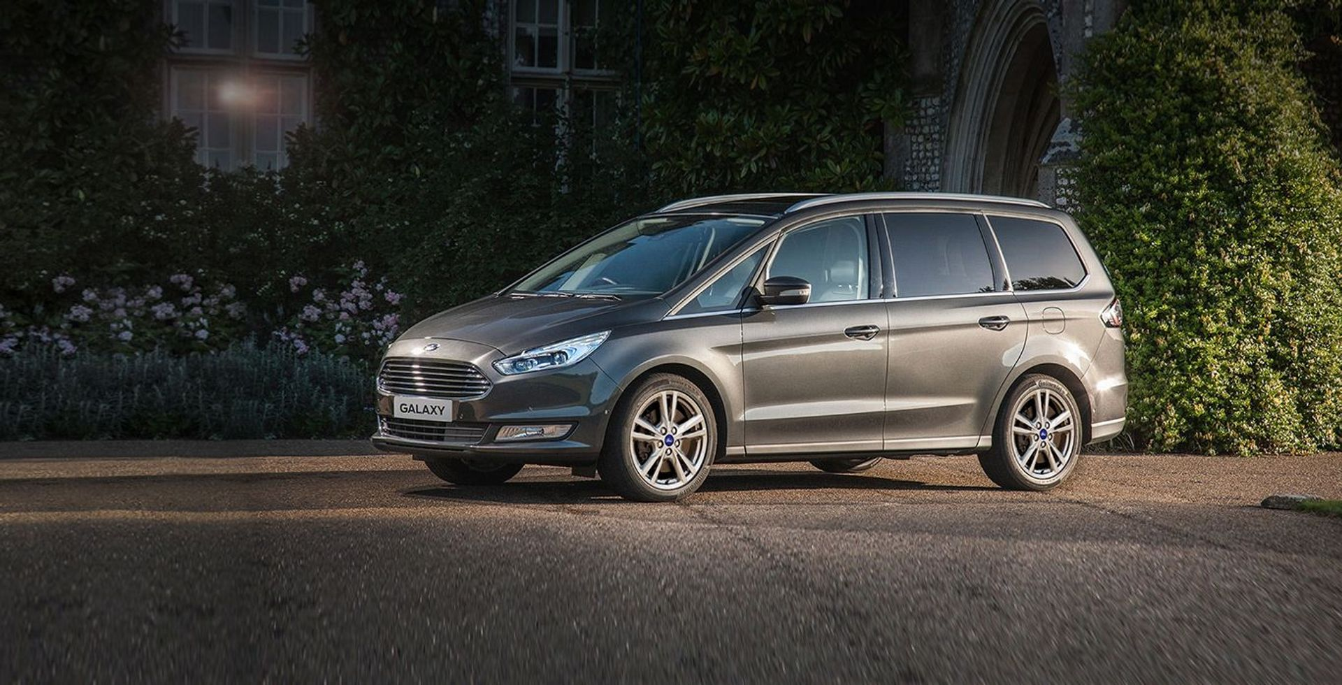 Ford Galaxy TDCi image