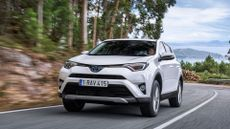 2016 Toyota RAV4 Hybrid front action
