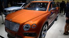 2016 Bentley Bentayga SUV revealed