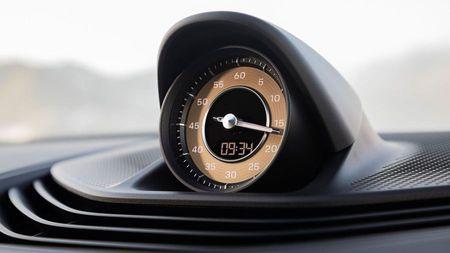 Porsche Taycan clock