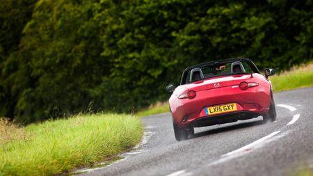 2015 Mazda MX-5 2.0 Sport Nav handling