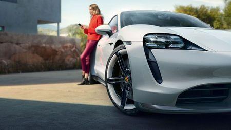 Porsche Taycan driver
