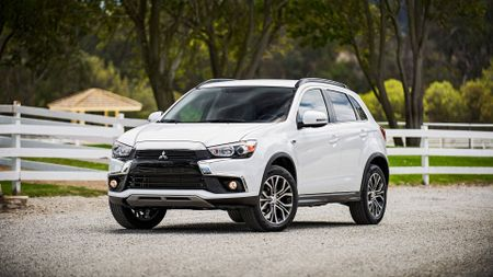 Mitsubishi Plans Five New Suvs By 2021 Auto Trader Uk