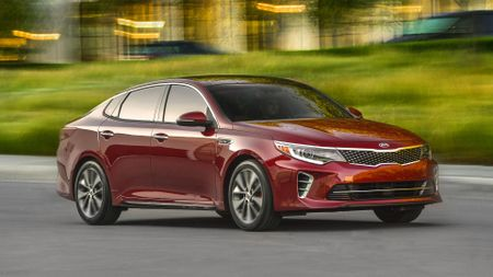 2016 Kia Optima front action