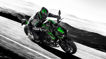 New colours for 2018-season Kawasaki models | Auto Trader UK