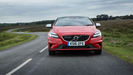 2016 Volvo V40 D4 R-Design first drive review | Auto Trader UK