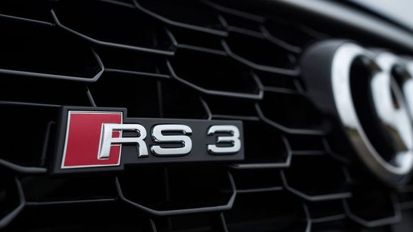 Audi RS3 grill and badge