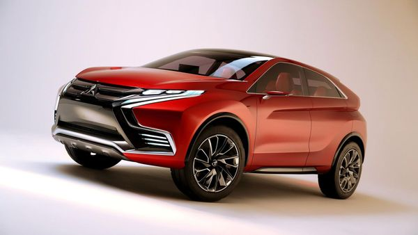 2015 Mitsubishi XR-PHEV II