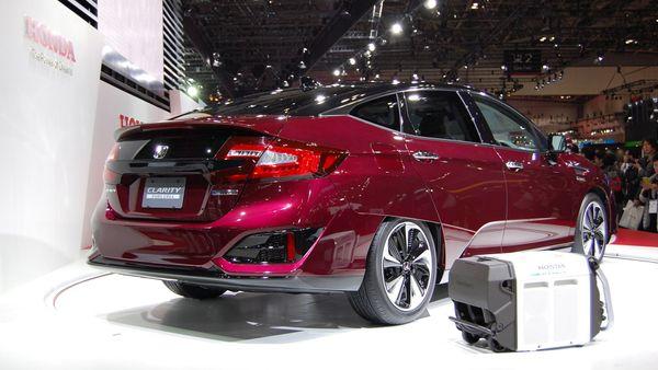 Honda FCV Clarity Tokyo Motor Show 2015