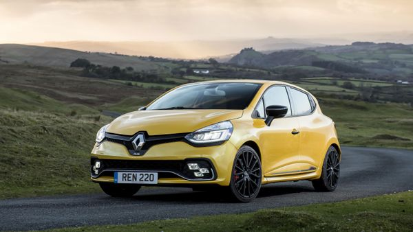Renault Clio 220 RS Trophy