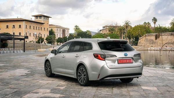 Silver Toyota Corolla Touring Sports estate