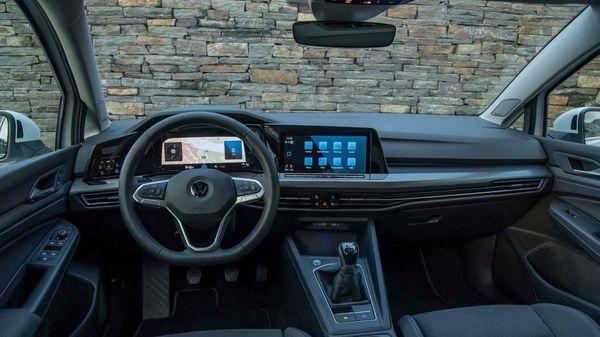 Volkswagen Golf interior
