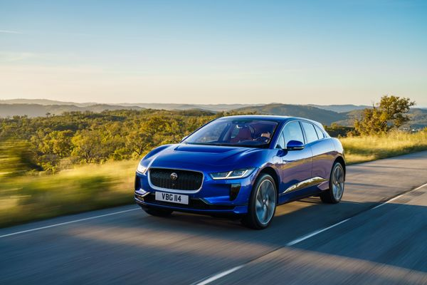 Jaguar iPace includes self-driving technology