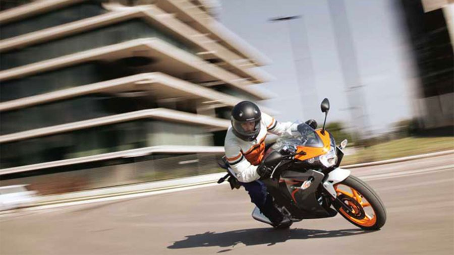 Honda CBR125R – the sporty A1 learner one