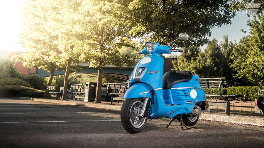 Getting a 50cc moped (AM) licence | Auto Trader UK