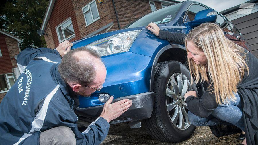 Como procuro falhas em um carro usado?