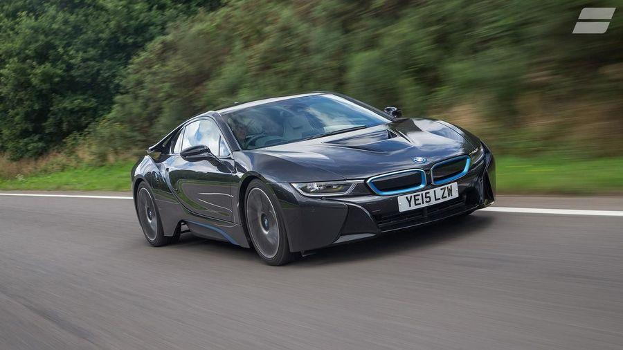 BMW i8 hybrid car