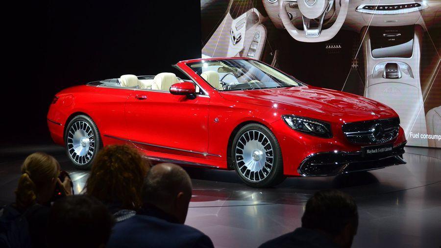 MercedesMaybach S Cabriolet Debuts At LA Auto Show Auto Trader UK - La auto show car debuts