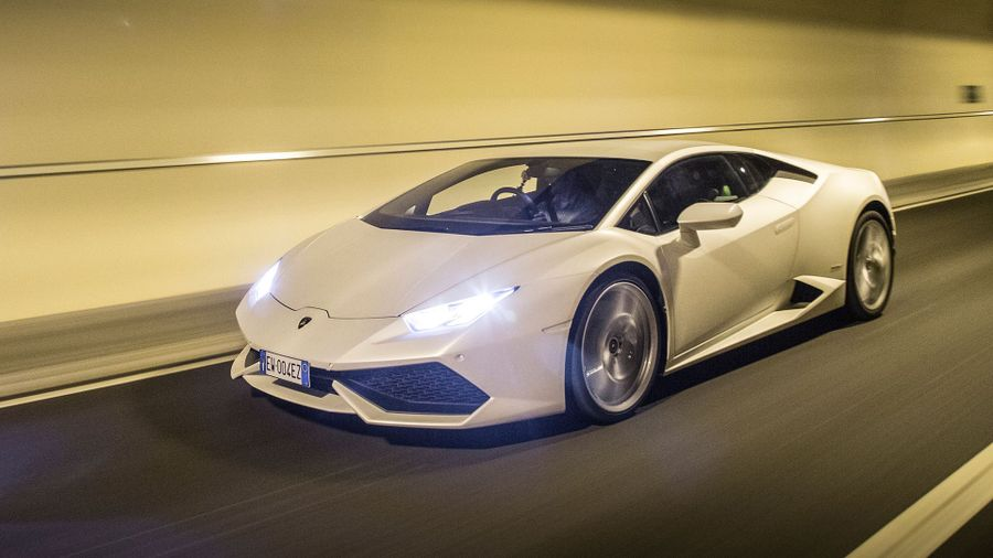 Lamborghini Huracan road trip
