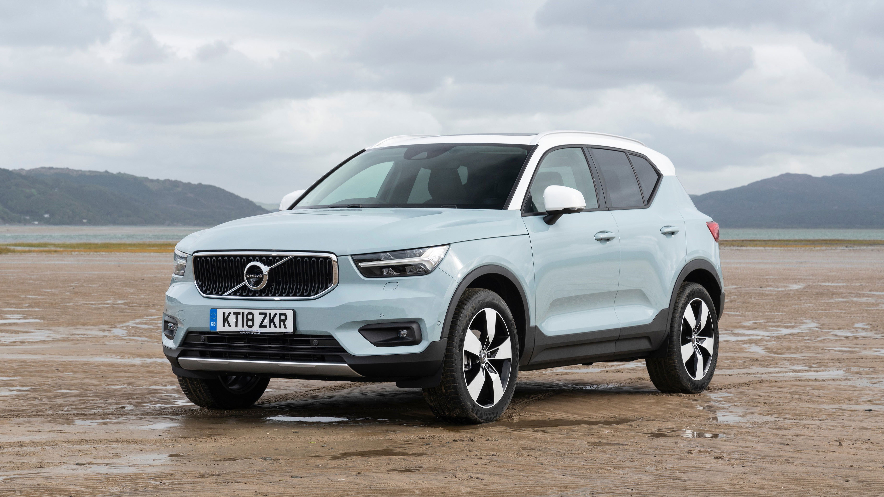 New Used Volvo Xc40 Cars For Sale Auto Trader