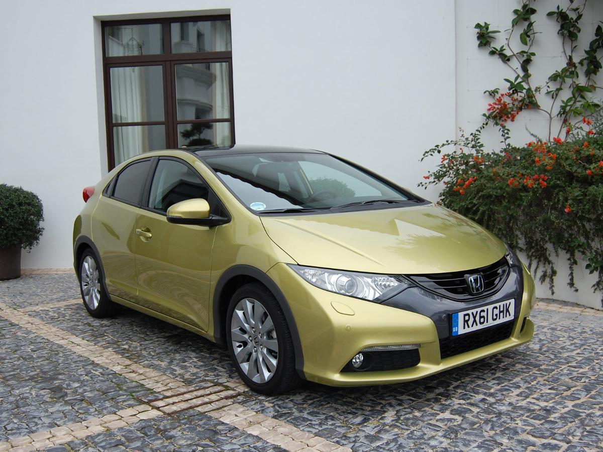 Auto Trader Vans For Sale >> Honda Civic Hatchback (2011 - 2014) MK 9 review   Auto Trader UK