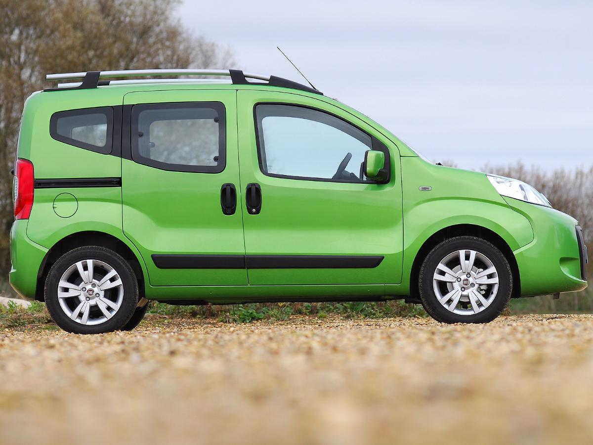 fiat qubo mpv 2009 review auto trader uk. Black Bedroom Furniture Sets. Home Design Ideas