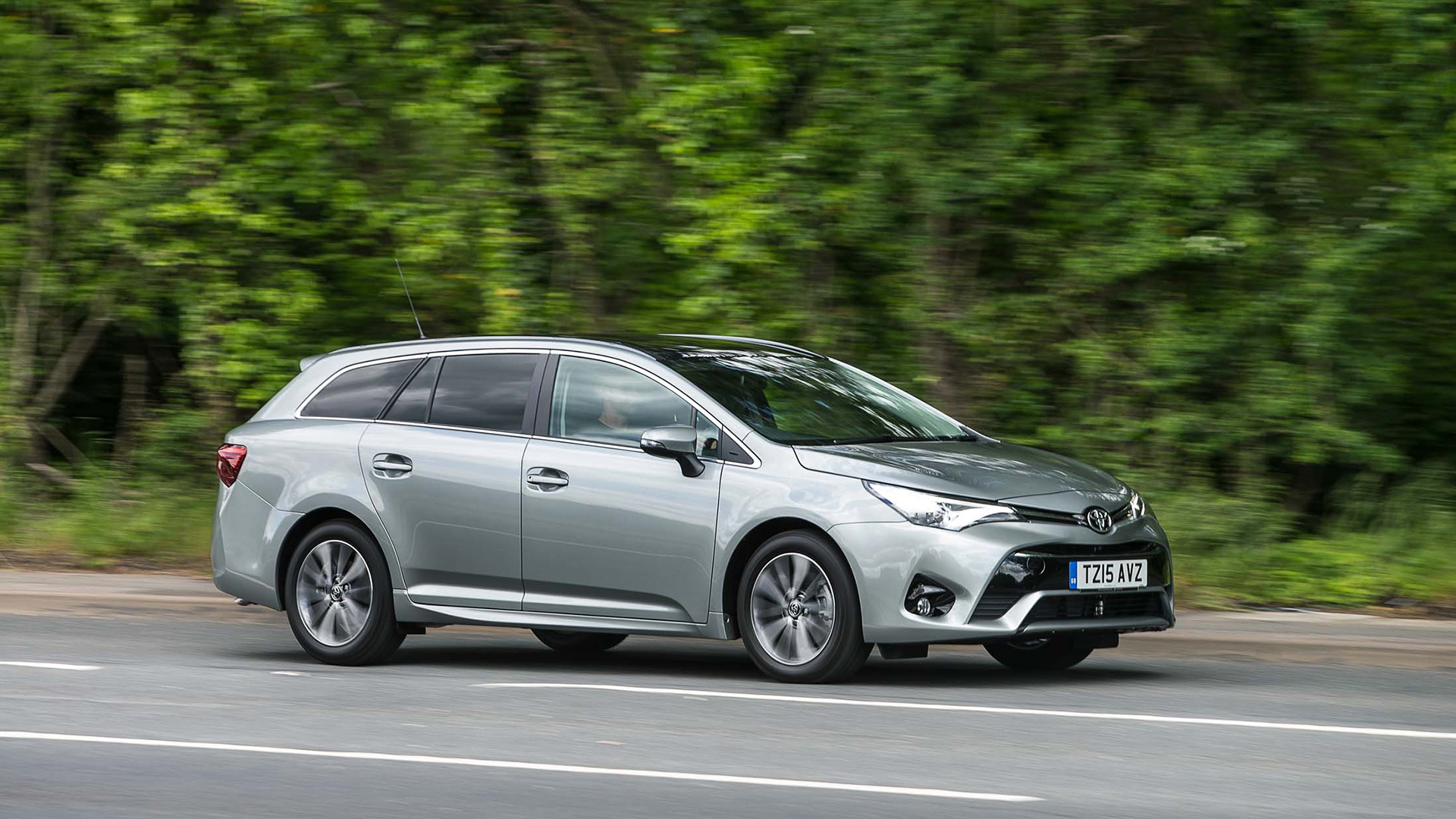 Autotrader Used Vans >> Toyota Avensis Estate (2015 - ) review | Auto Trader UK