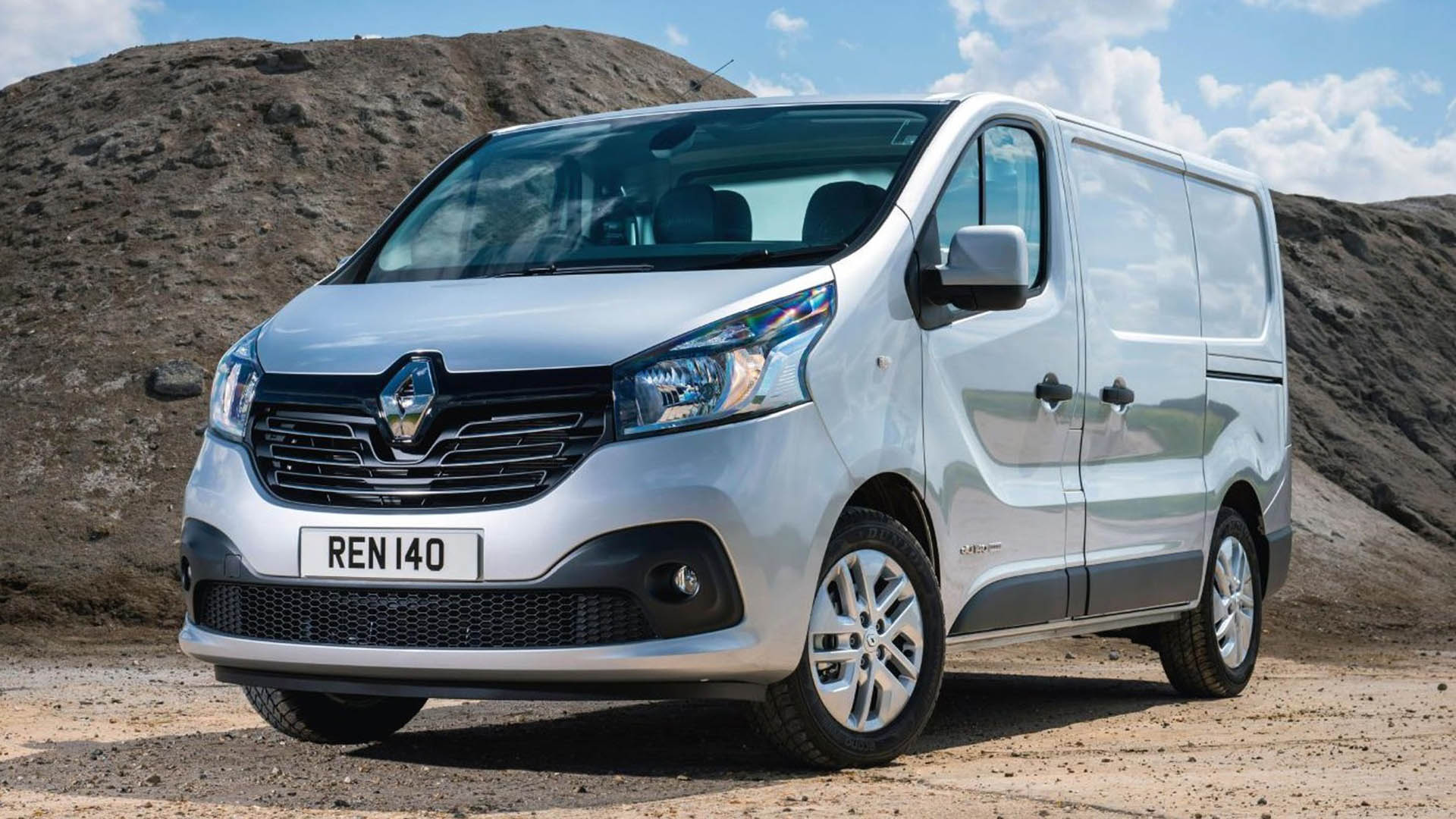 Campbell Auto Sales >> Renault Trafic Panel Van (2014 - ) review | Auto Trader UK