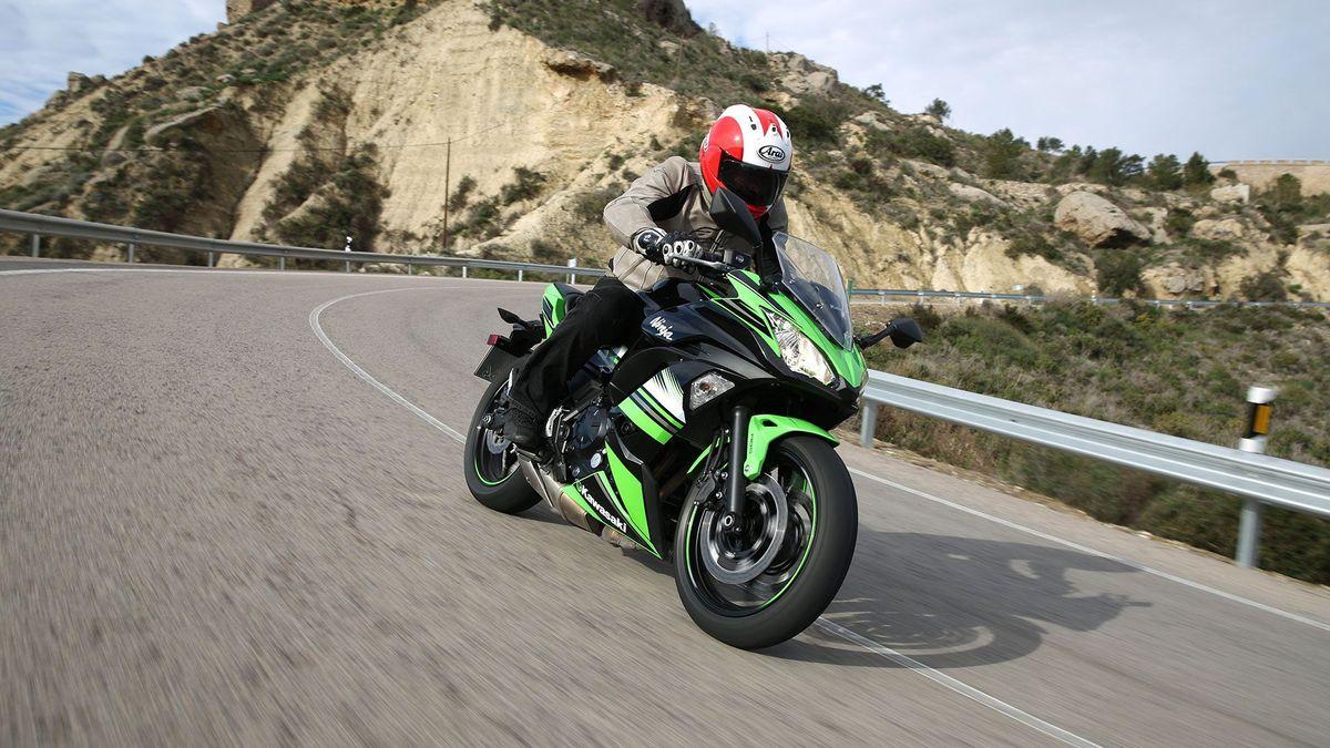 Kawasaki Ninja 650 Sports Tourer 2017 Review Auto Trader Uk