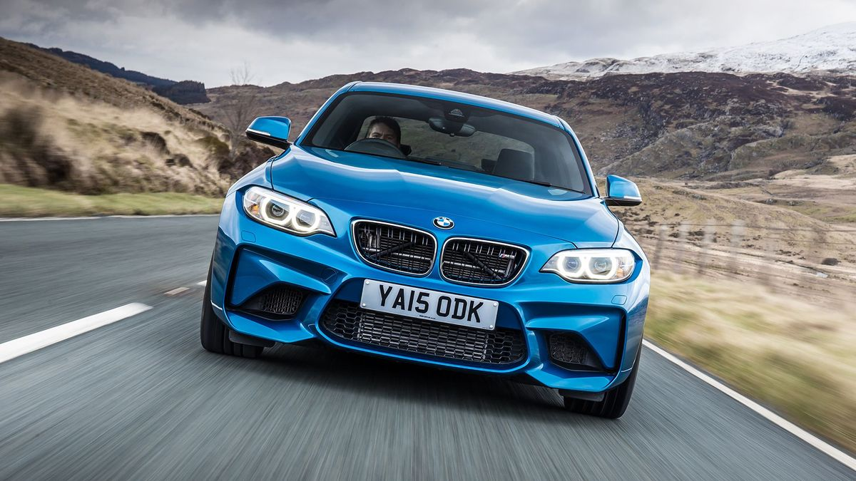 2016 BMW M2 front track