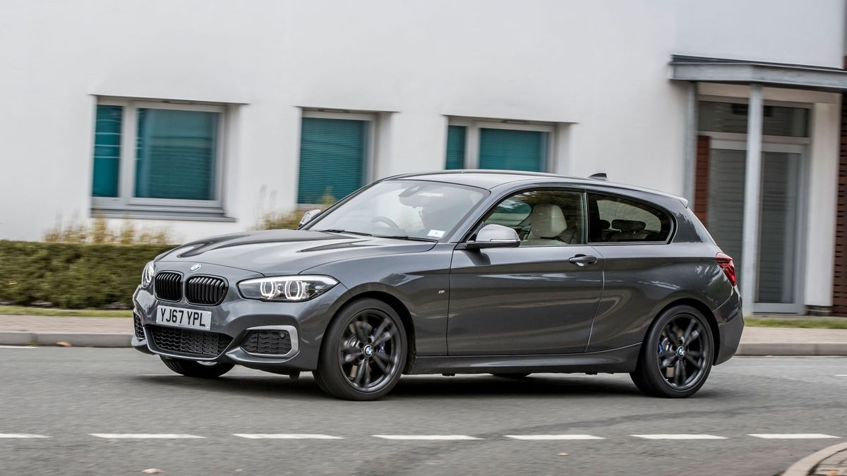 Bmw 1 Series >> Bmw 1 Series Hatchback 2017 Review Auto Trader Uk