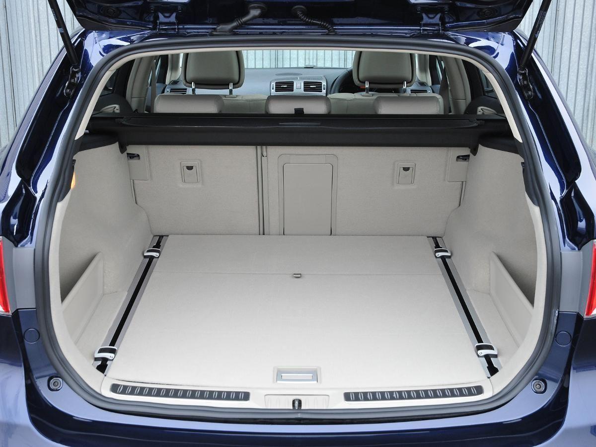 Toyota Avensis Tourer estate
