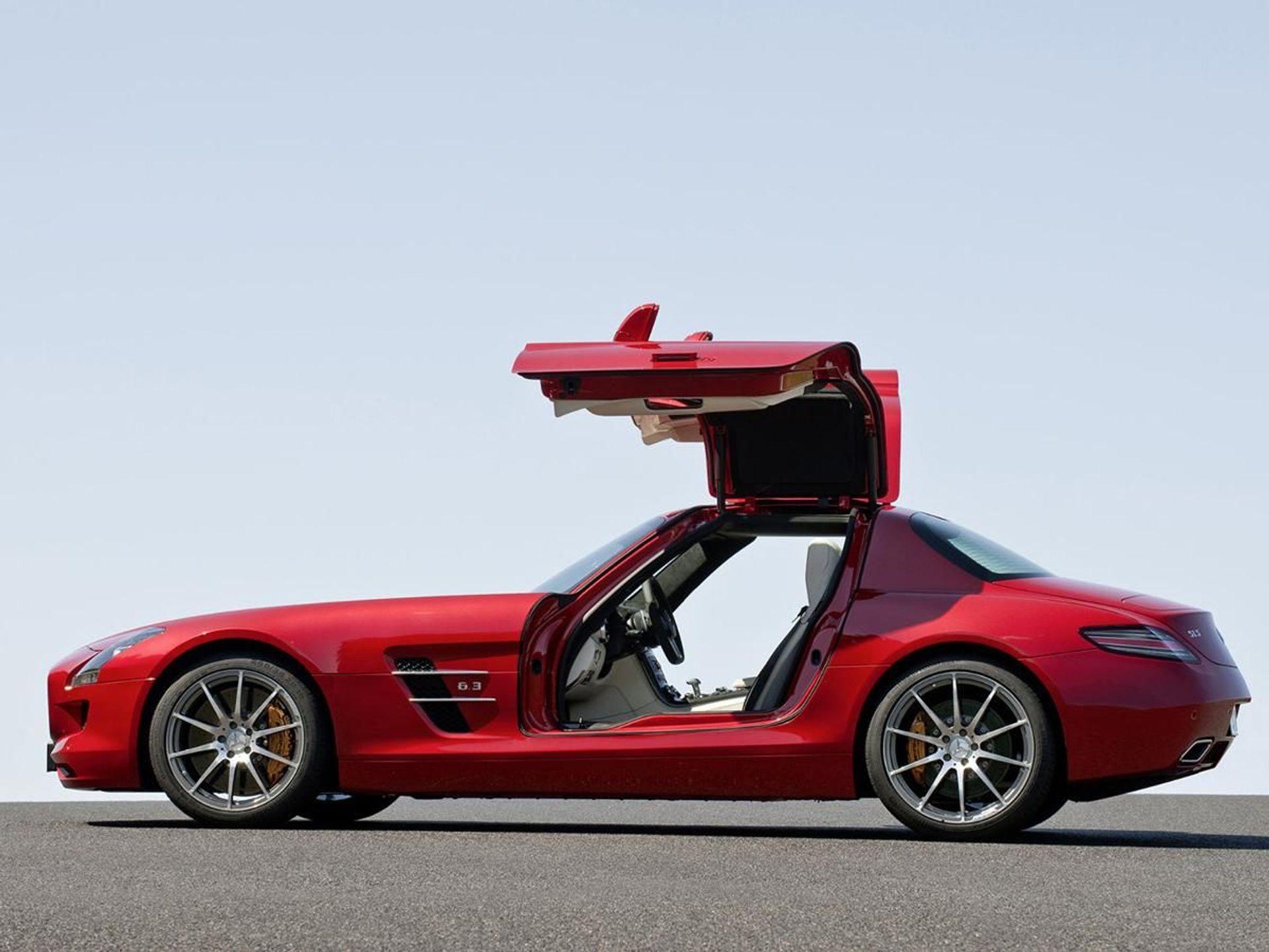 Mercedes-Benz SLS  image