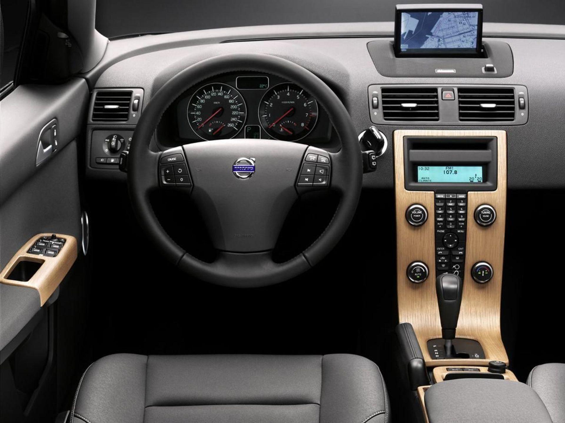 Volvo V50  image