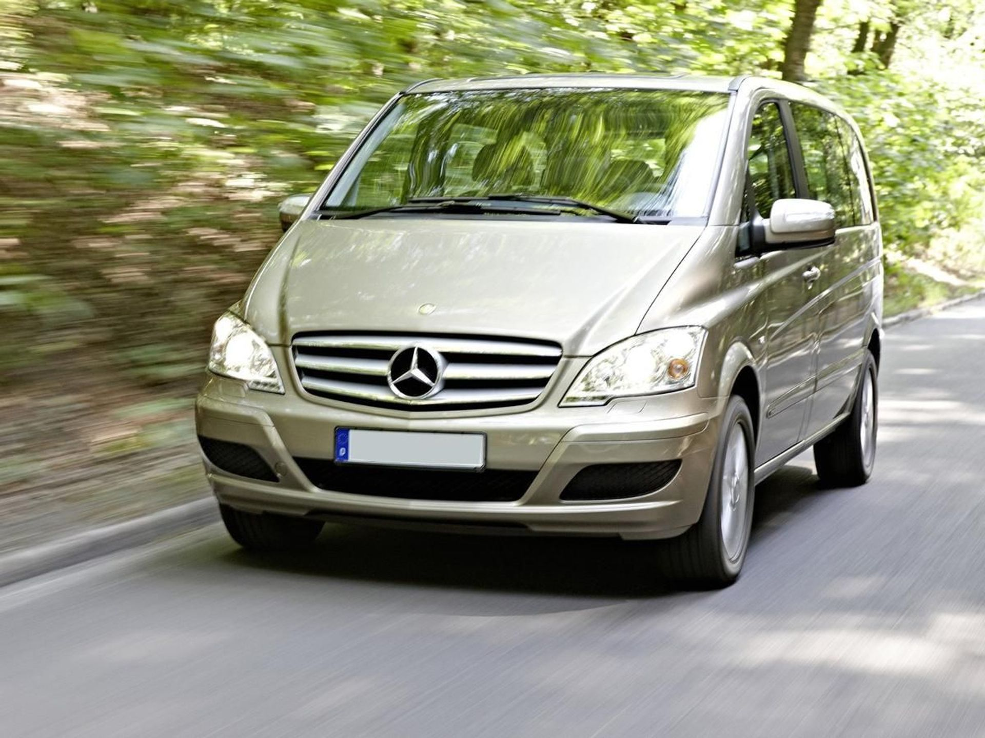 Mercedes-Benz Viano  image