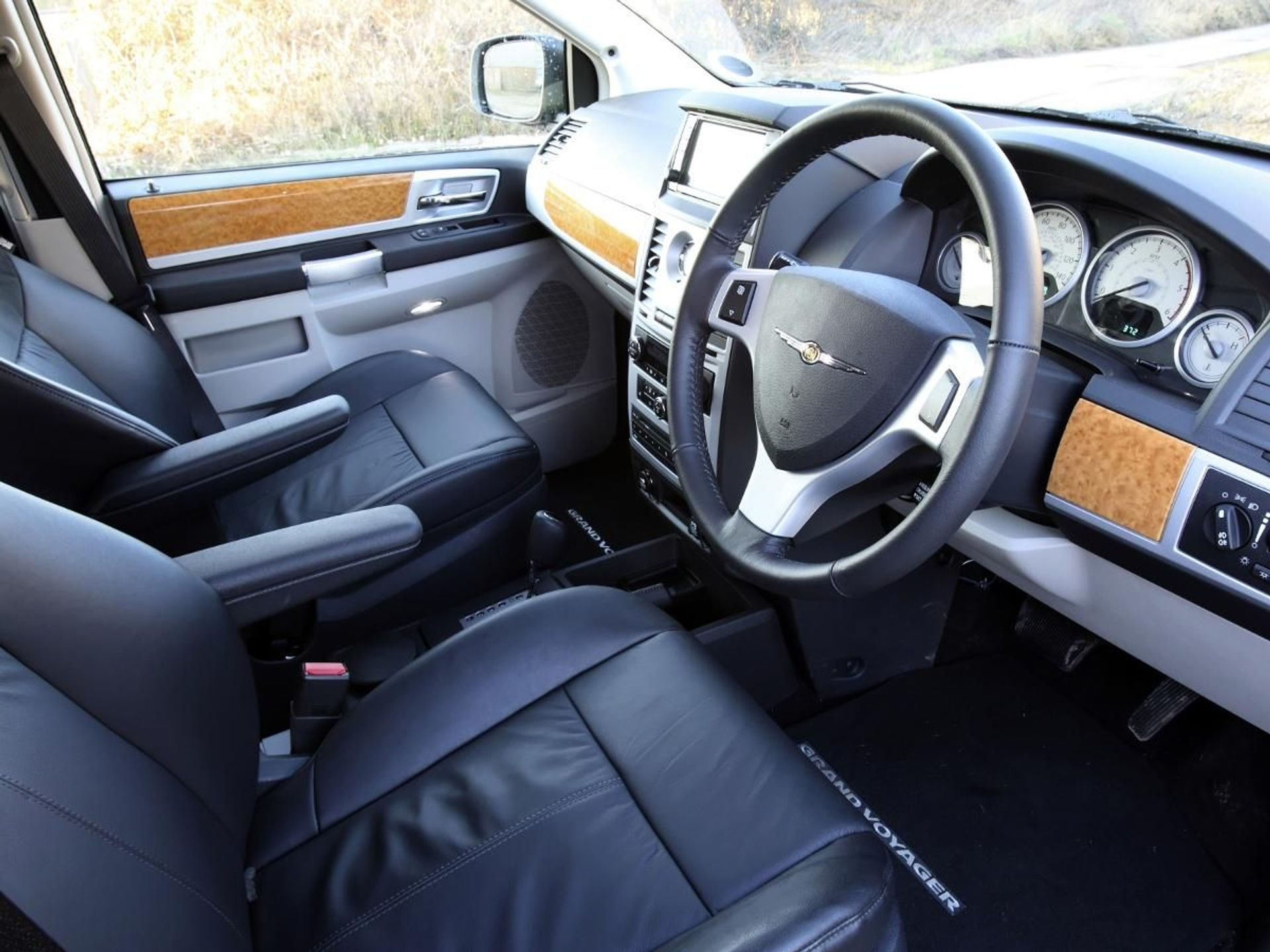 Chrysler Grand Voyager  image