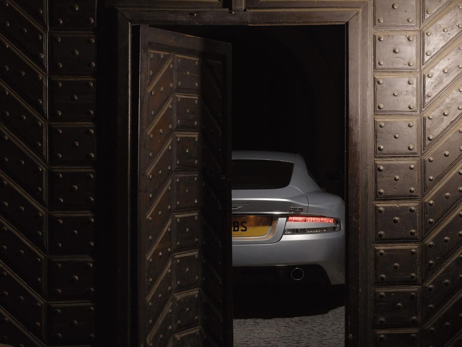 Aston Martin DBS Carbon Black image