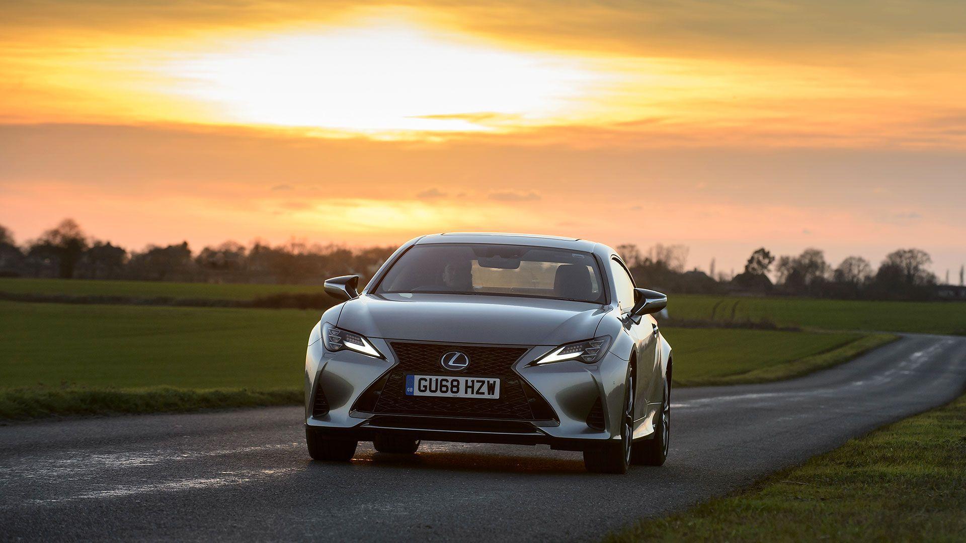 Lexus RC 300h  image