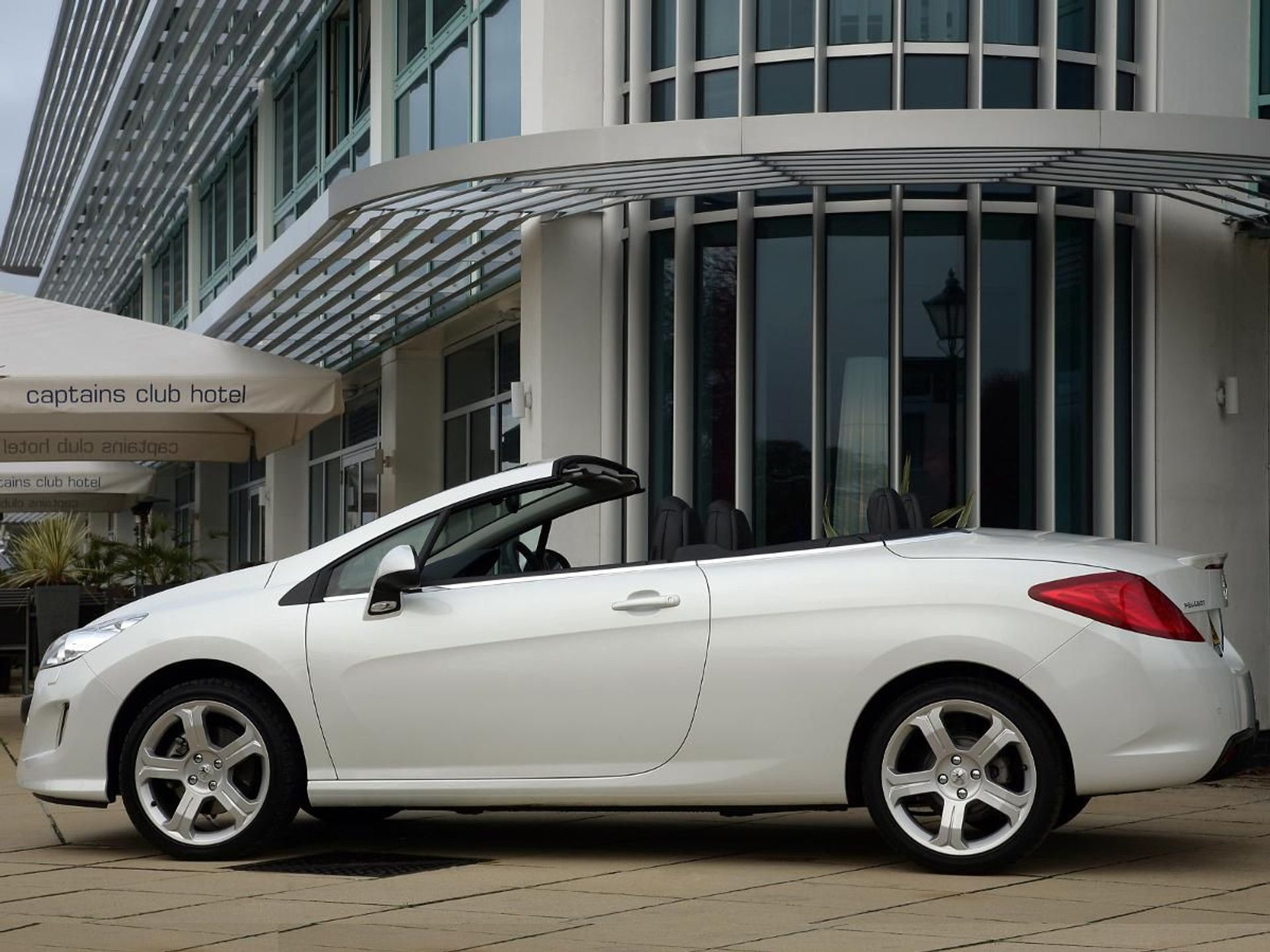 Peugeot 308 CC  image
