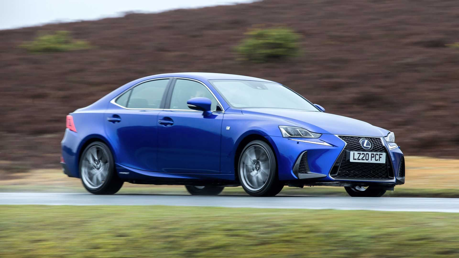 Lexus IS 300 Luxury image