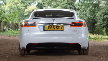 Tesla Model S saloon (2016 - ) review | Auto Trader UK