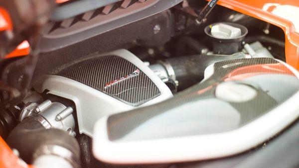 McLaren 650S engine